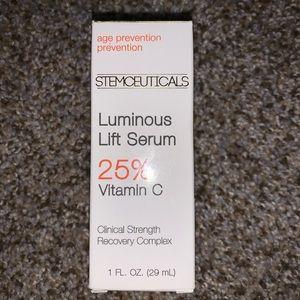 Stemceuticals Luminous Lift Serum